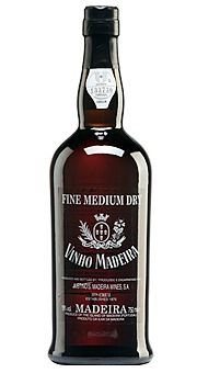 Madeira Justino Henriques, Filhos Lda. Fine Medium 3 Years Old