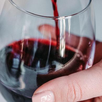 Maria Barúa ist die hervorragende Chef-Önologin der hochwertigen Weinherstellung aus Viña Lanciano. Erfahren Sie mehr über das große Weingut Bodegas LAN in Rioja