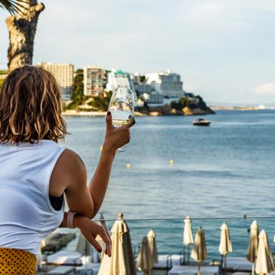 Mallorca hat viel mehr zu bieten als Sonne und Strand. Entdecken Sie jetzt idyllische Dörfer, tolle Landschaften, urige Bodegas und qualitativ hochwertigen Wein