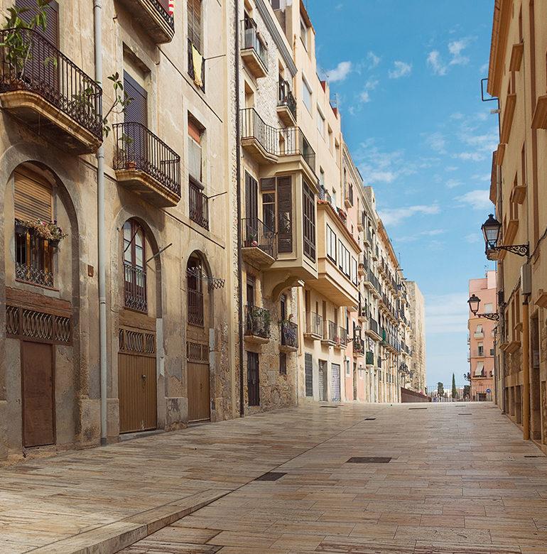 Genuss wird im Priorat mit allen Sinnen gelebt: Entdecken Sie die Schönheit des Mittelmeers, dem Kulturraum Tarragona und die kulinarischen Köstlichkeiten der Region