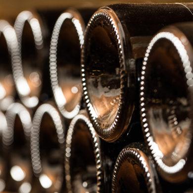 Wein-Qualität ist vielschichtig: Rebsorten, Vinifikation und Herkunftsregion bilden den Charakter jedes Tropfens. Entdecken Sie die höchste spanische D.O.Ca-Qualität