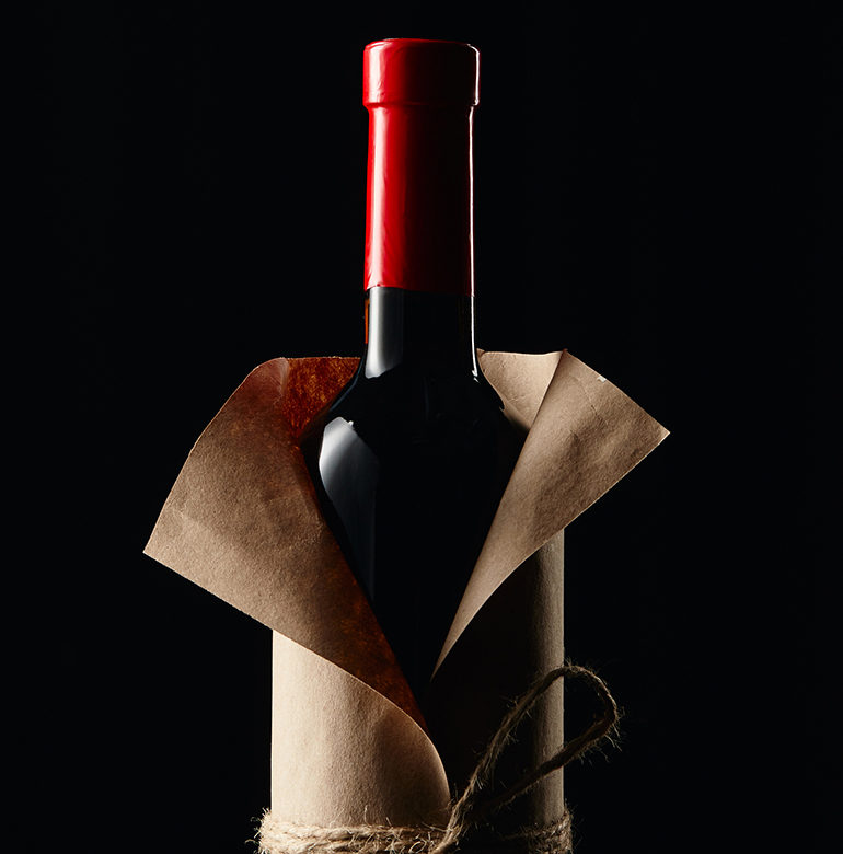 """Der Niepoort """"Fabelhaft"""" aus Portugal überzeugt nicht nur geschmacklich, sondern auch mit besonderen Etiketten von bekannten Künstlern auf den Weinflaschen."""