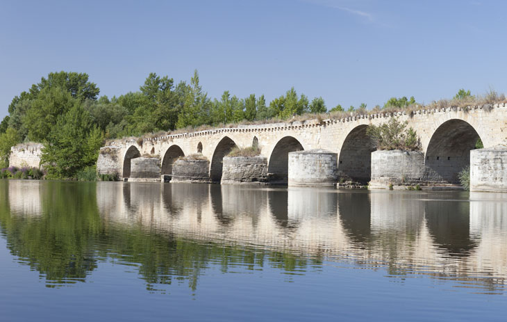 Brücke in Toro