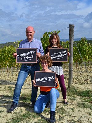 Sofia Barbanera Export Manager mitte mit Familie Barbanera | Silkes Weinblatt