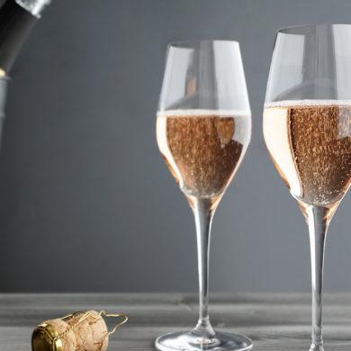 Bei der Entalkoholisierung wird dem Sekt ein wichtiger Geschmacksträger genommen. Um das auszugleichen, kommt oft ein besonders schonendes Verfahren zum Einsatz.