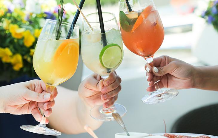 Wir haben Ihnen die acht beliebtesten Gin-Drink-Rezepte hier zusammengestellt.