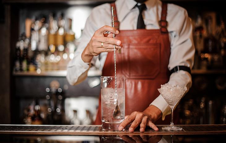 Wie wird Gin hergestellt? Erfahren Sie hier mehr.