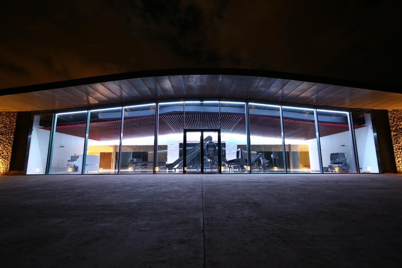 Die Bodega Son Mayol bei Nacht | Silkes Weinkeller
